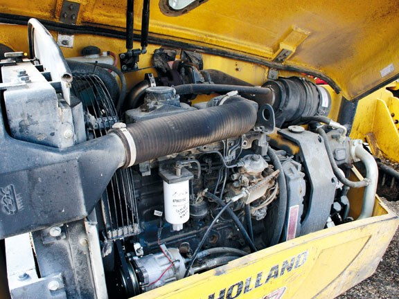 NH-LM740-telehandler-engine.jpg