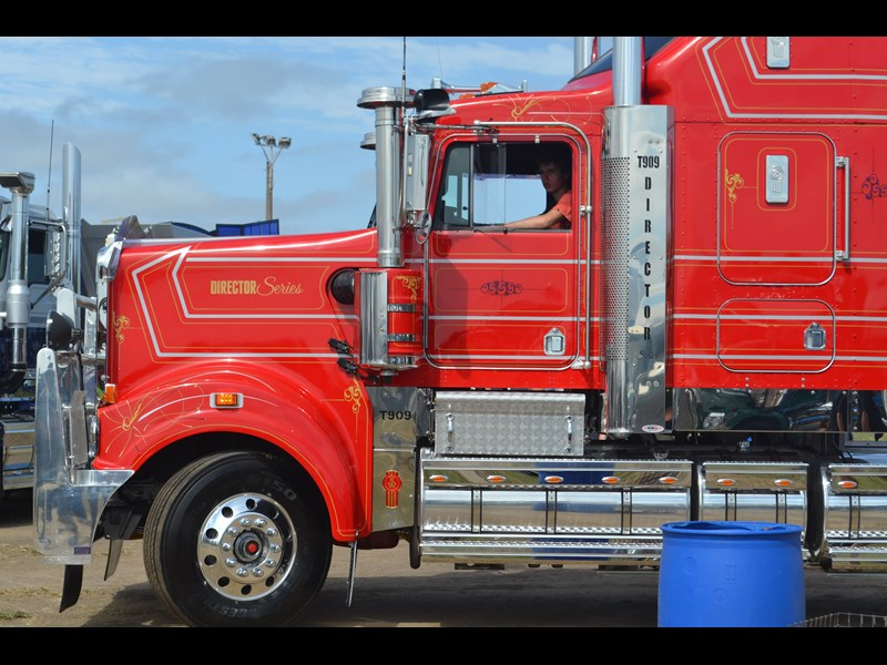 Kenworth T909 Director Series