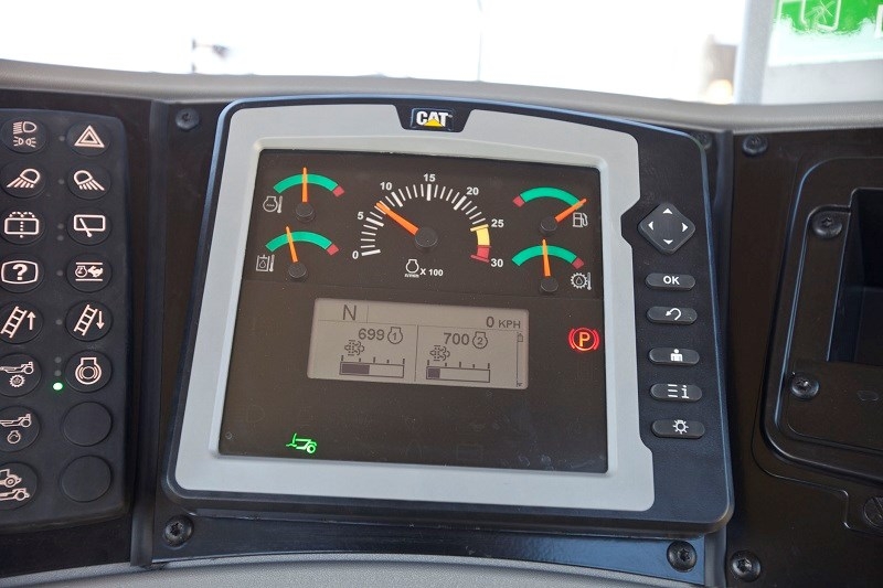 CAT 627H scraper dashboard