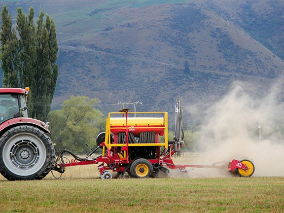 Duncan Ag AS3500 air seeder
