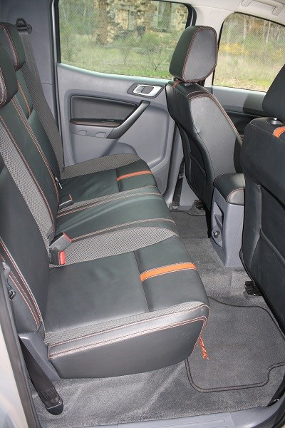Ford Ranger Wildtrak 4x4 seats
