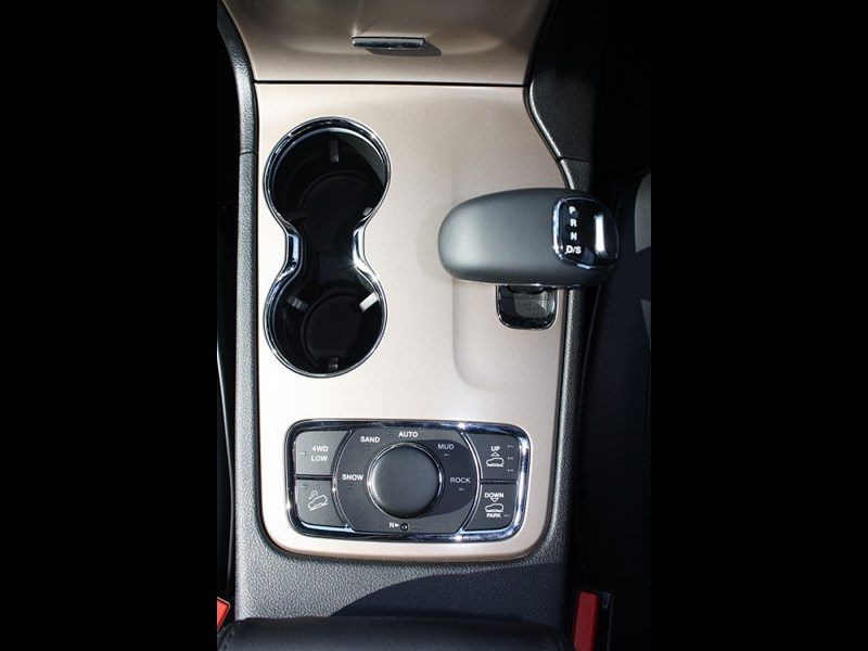 Jeep Grand Cherokee gear shifter