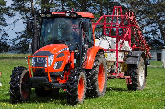 Kioti PX1002 Cabin tractor with sprayer