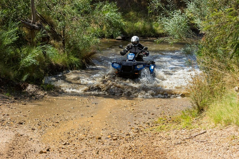Polaris ute 570 ride