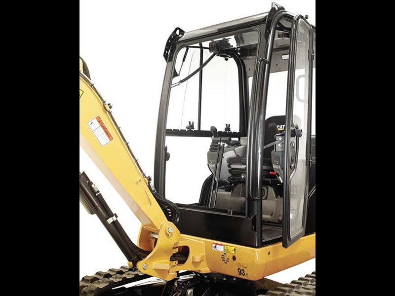 cat d-series mini excavators fronnt window