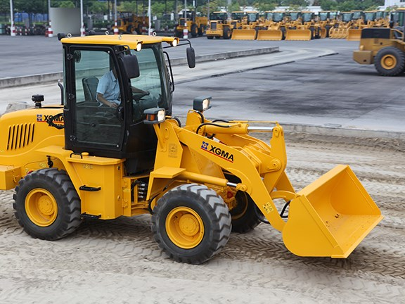 XGMA XG918E front-end loader
