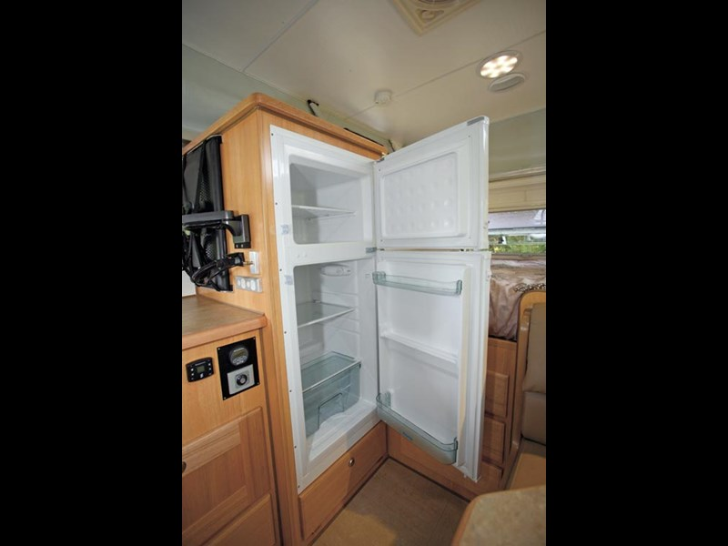Bushtracker 14ft pop-top caravan-26.jpg