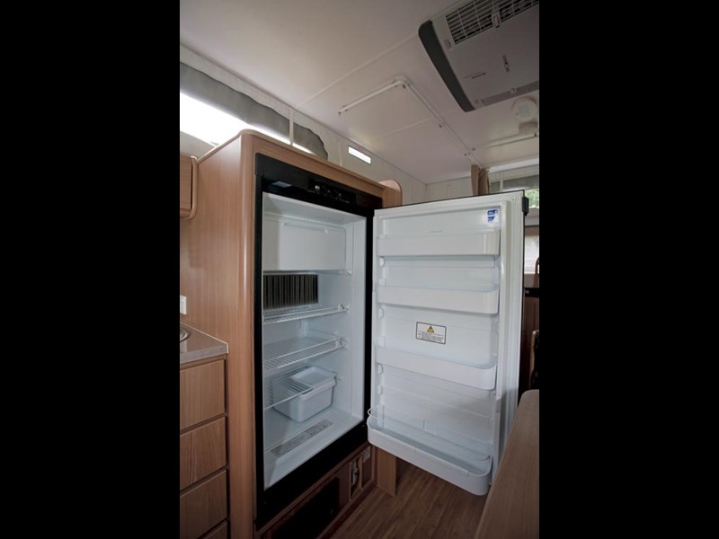 JAYCO STARCRAFT 16.67.SC POP-TOP-04.jpg