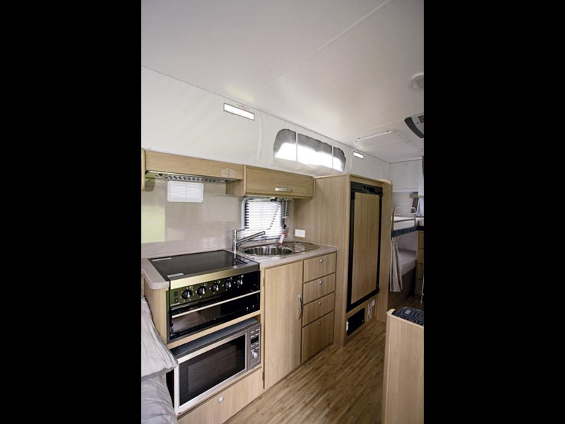 JAYCO STARCRAFT 16.67.SC POP-TOP-12.jpg