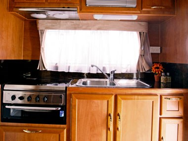 Billabong Caravans Eagle Bay caravan kitchen sink and oven