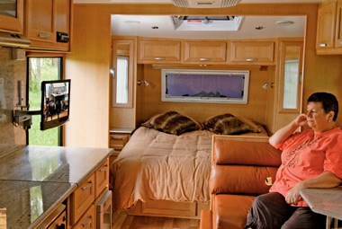 5 Star Caravans Premier MKII lounge and bed