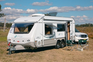 Jurgens Lunagazer J2405 caravan set up