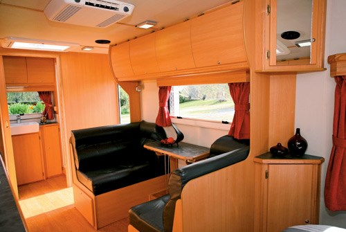 exclusive caravans walk-a-bout 620st dinette