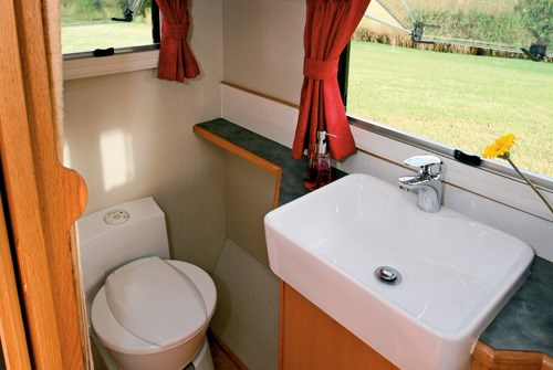 Exclusive Caravans Walk-A-Bout 620ST toilet and