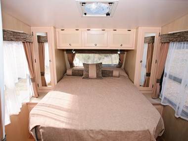 Kedron Caravans Cross Country XC3 bed