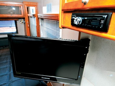 Newlands Caravans Onyx tv and stereo