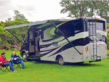 Presidential RV Navigator 24SAU on camp site.