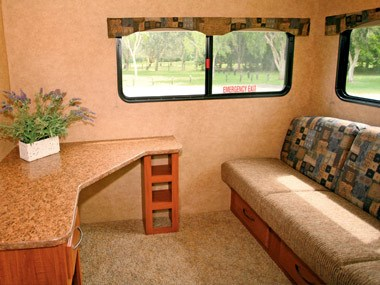 Spectrum RV ElkRidge 35 DSRL fith wheeler caravan comfortable lounge