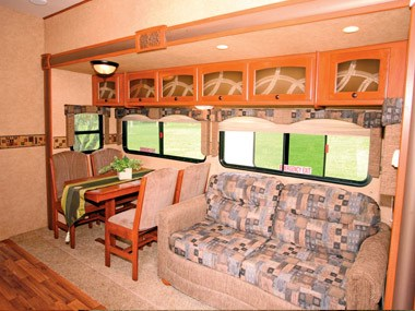 Spectrum RV ElkRidge 35 DSRL fith wheeler more lounge room
