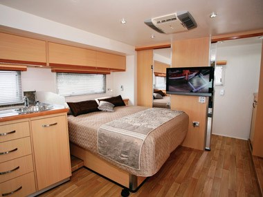 Paradise Motorhomes Inspiration Ultra bed and storage