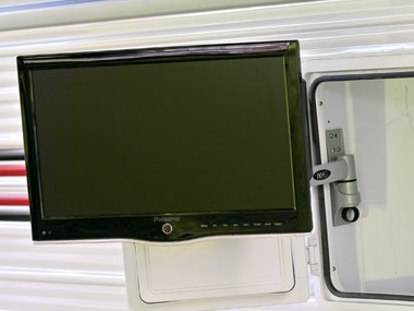 Evernew Caravans E100 tv