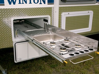 Sunland Caravans Winton IV slide-out cooker