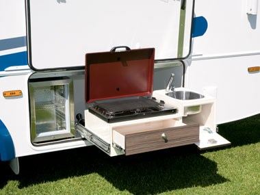 Sunliner Monte Carlo M72 motorhome slide-out cooker
