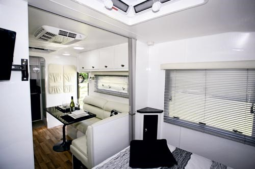 EXPLORER CARAVANS BARRA REVIEW-05.jpg