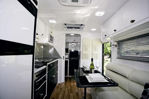 EXPLORER CARAVANS BARRA REVIEW-06.jpg