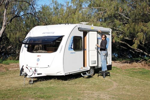 SWIFT SPRITE ALPINE 4 CARAVAN REVIEW-05.jpg