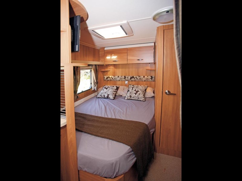 SWIFT SPRITE ALPINE 4 CARAVAN REVIEW-11.jpg