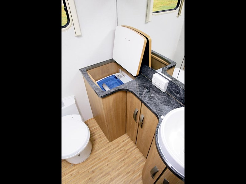 Jayco Sterling Outback Caravan Review-09.jpg