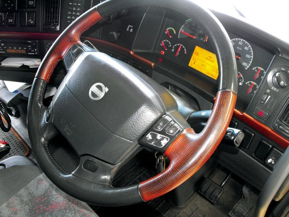 Volvo FH16 truck steering wheel