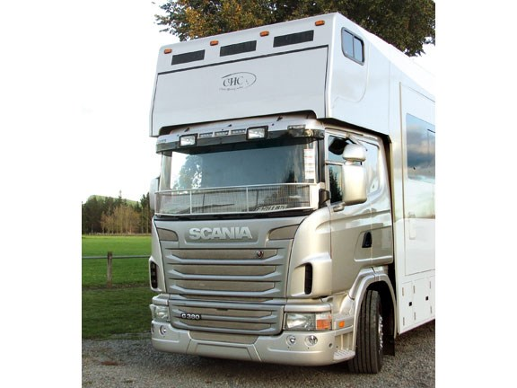 front view and grille Scania G 380 LB horse truck