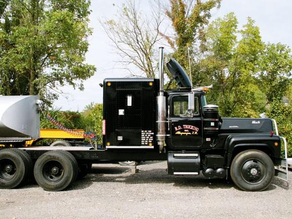 celebrity trucks convoy truck. Black Bedroom Furniture Sets. Home Design Ideas
