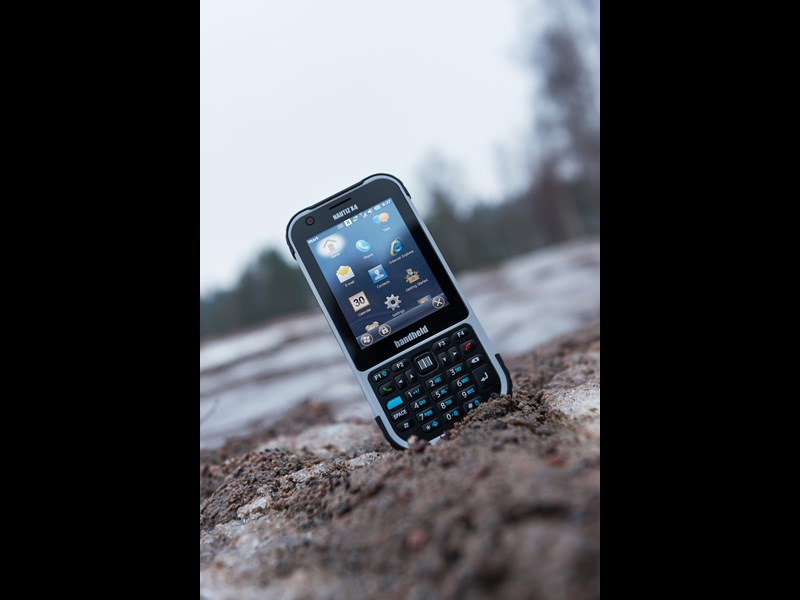 Handheld Nautiz X4 rugged IP65 outdoor