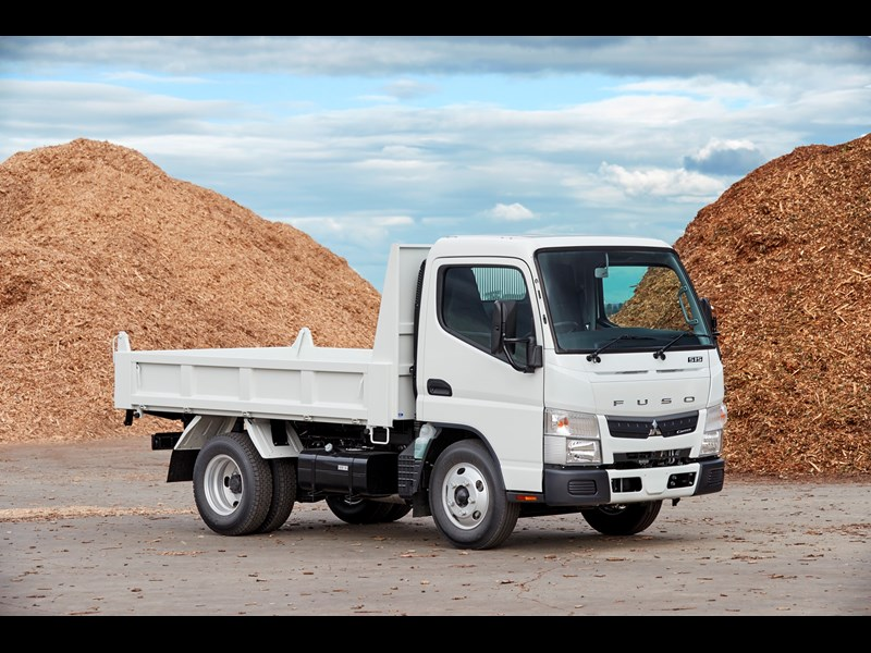 a129fca369 Fuso Canter tipper can carry extra 500kg payload