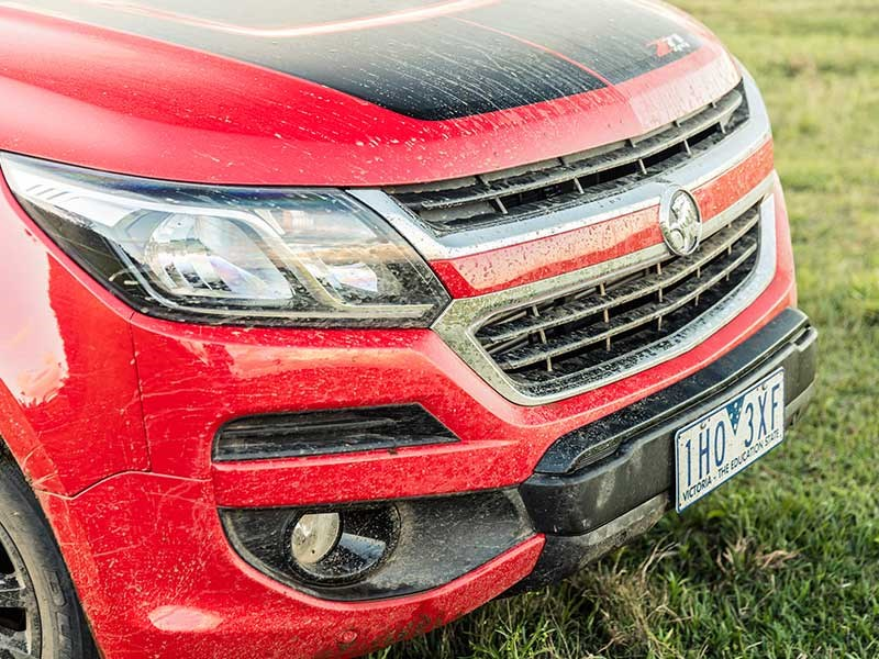 Head to head Holden Colorado Z71 vs Toyota Hilux SR5 Review Matt Wood ATN11