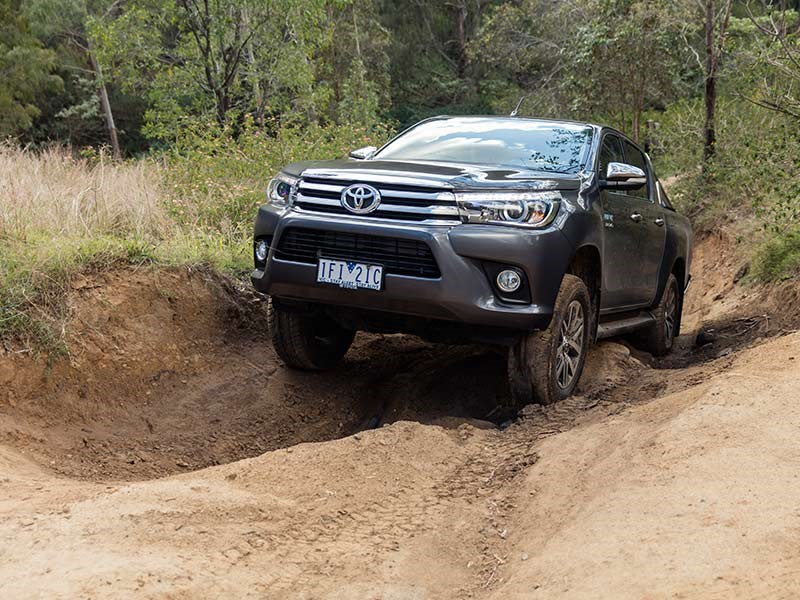 Head to head Holden Colorado Z71 vs Toyota Hilux SR5 Review Matt Wood ATN3