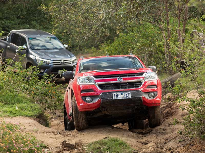 Head to head Holden Colorado Z71 vs Toyota Hilux SR5 Review Matt Wood ATN6