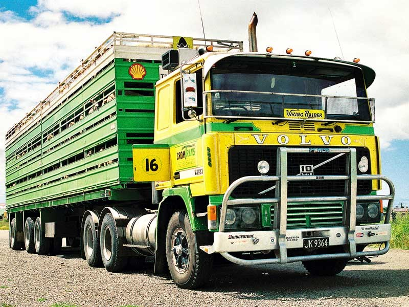 Old school trucks: Cromwell Transport