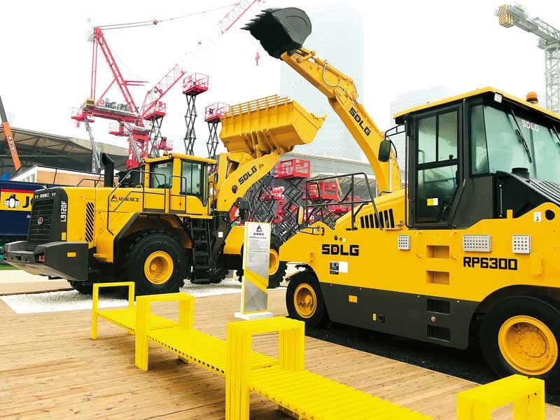 SDLG unveils concept electric compact excavator at bauma China 2018 6