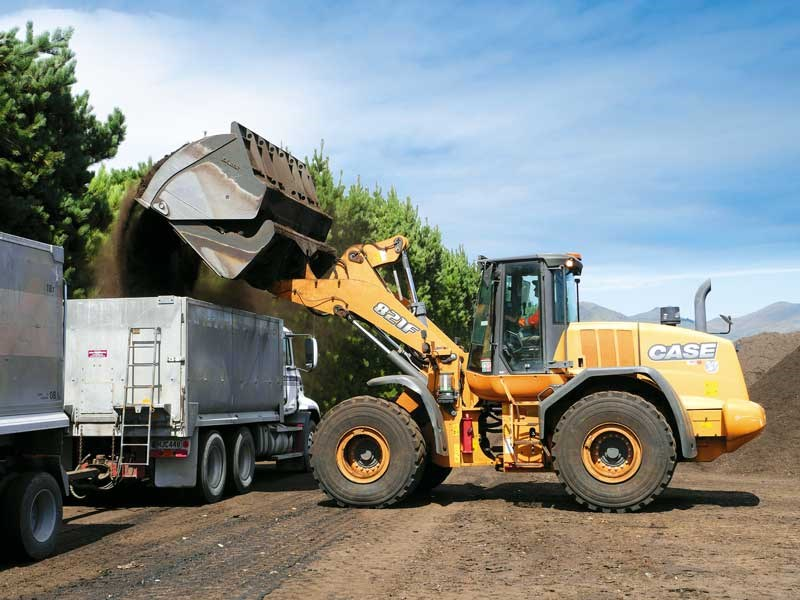 Case wheel loaders are providing tangible results for Living Earth s compoasting facility in Christchurch