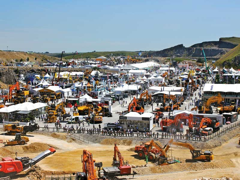 Correspondent Chris McCullough brings all the action form Hillhead 2018