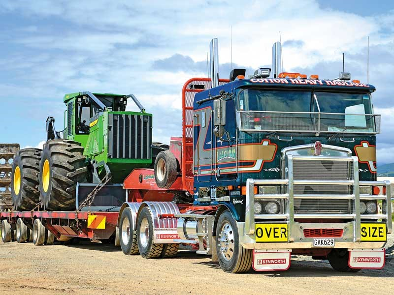 Cotton Heavy Haulage displayed some fine machinery at the Nelson Truck Show notcover