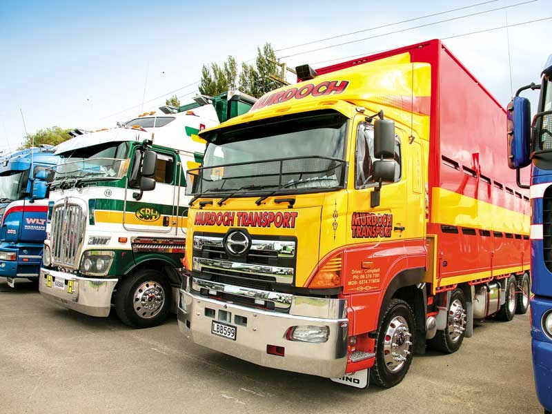 Murdoch Transport wins Best Hino at the Tui Trucks Stop 2018 show
