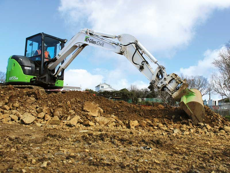 Porter Equipment supplied machinery helps Giles Civil get through the hard yards with ease