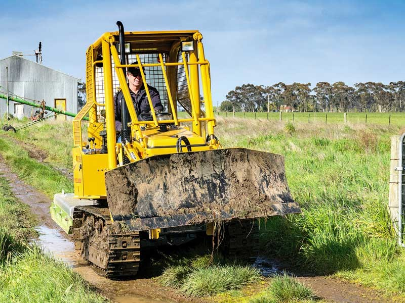 Tom Dickson puts the East Wind YCT356S S compact dozer to test