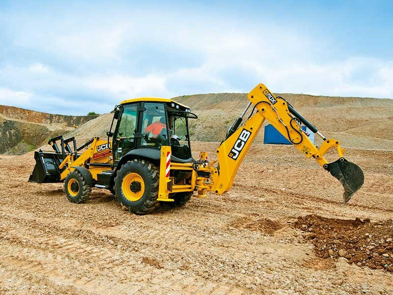 JCB 3CX backhoe loader review