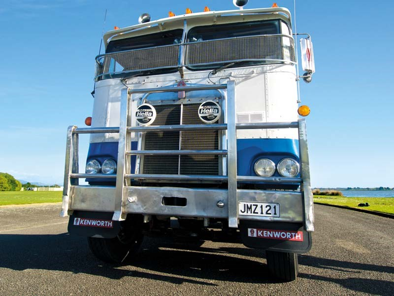 Check out this stunningly restored Kenworth 124CR…